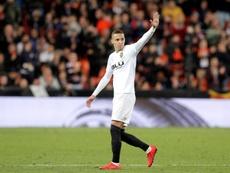 Rodrigo, baja en el entrenamiento, ¿se acerca al Barça? EFE/Archivo