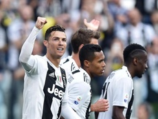 Juventus hope to cheapen the deals for both players. EFE