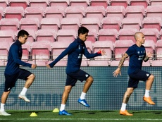 Angeliño (d) volverá al Manchester City. EFE/Archivo