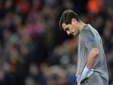 Iker Casillas sufrió un infarto de miocardio y se recupera favorablemente en el hospital. EFE
