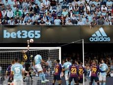 CIllesen acerca una joya al Barça. EFE
