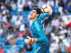 Courtois aware of competition from Areola. EFE