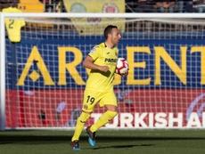 Santi Cazorla is looking to improve his contract at Villarreal. EFE