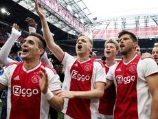 El Ajax no quiere desconcentrar a su futbolista.