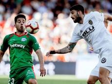 El Valencia desea que el Málaga no suba para llevarse a Jony. EFE