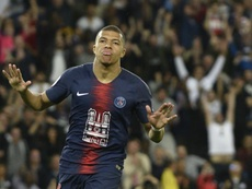 Mbappé precisa marcar pelo menos quatro gols para conquistar Bola de Ouro. EFE