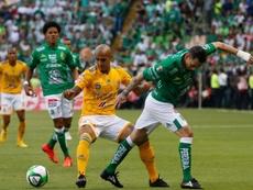 Sambueza (d) ficha por Monterrey. EFE