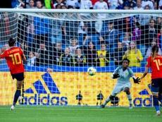 Casi 900.000 personas siguieron el debut de España. EFE