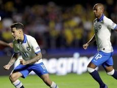 O Brasil venceu a Bolívia e Coutinho bisou no encontro. EFE