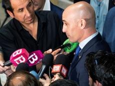 La Federación quiere que el Villarreal-Atlético se dispute en España. EFE