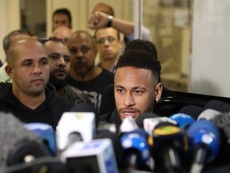 PSG do not want players to be included in the Neymar deal. EFE