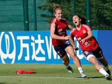 Un entrenamiento de 'la Roja' con Nahikari. EFE