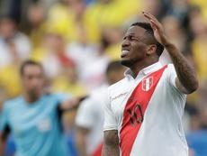 Farfán sufre una lesión de rodilla y no jugará más en Copa América. EFE