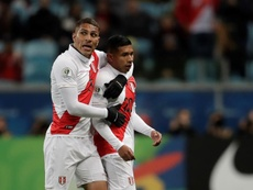 Guerrero and Flores (R) both helped Peru get into the Copa America Final. EFE