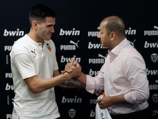 Maxi Gómez et Cillessen, les deux principaux objectifs du match amical. EFE