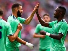 Benzema aviva la llama de un Madrid descontrolado. EFE