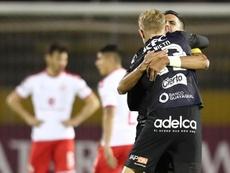 Independiente salva la papeleta ante Emelec. EFE/José Jácome
