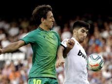 Oyarzabal anotó su cuarto penalti en Mestalla. EFE
