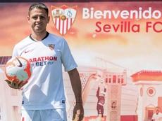 Chicharito ya palpa el partido contra su ex equipo. EFE