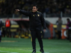 César Farías aseguró que Bolivia va a competir. EFE