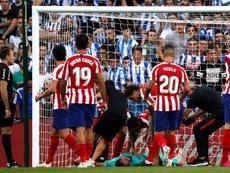 La última vez que el Atleti cayó en Anoeta liderando la tabla acabó ganando la Liga. EFE