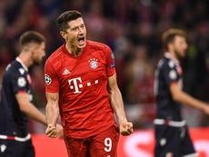 Lewandowski marcó el segundo gol del partido. EFE