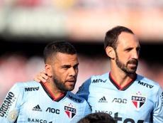 Dani Alves y Casemiro se volcaron con un joven jugador de 19 años. EFE