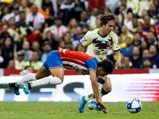 Porto volta a ter um jogador do América na mira. EFE/José Méndez