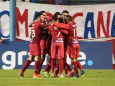 Cerro Porteño volvió a la senda del triunfo cuatro partidos después. EFE