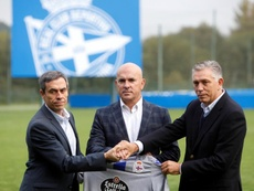 Carmelo del Pozo (i) no seguirá en el club. EFE
