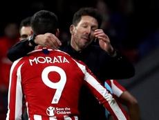 El Cholo alineó por primera vez a la dupla Costa-Morata. EFE/Kiko Huesca