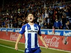 Lucas Pérez ya es historia viva del Alavés. EFE