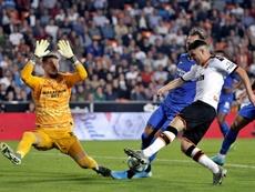 El guardameta checo del Sevilla confirma su buen momento. EFE