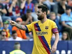 Abidal confirma contactos para renovar a Messi. EFE