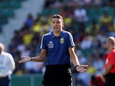 Scaloni da los nombres de los convocados de River y Boca. EFE