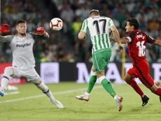 El Betis cayó derrotado en casa ante el Sevilla en el derbi. EFE