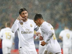 Ramos (L) netted a penalty in Real Madrid's comfortable 0-4 win over Eibar. EFE