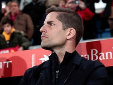 Robert Moreno se despidió entre lágrimas de sus jugadores tras el choque contra Rumanía. EFE