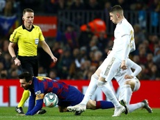 Valverde, a constant threat to Ter Stegen during El Clasico. EFE