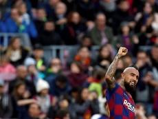 Arturo Vidal demonstra sua importância no ataque do Barcelona. EFE/Alberto Estévez/Arquivo