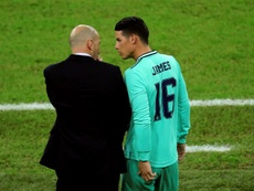 James volta a campo e joga 13 minutos. EFE/ Juanjo Martin