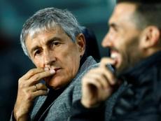 Quique Setién afronta el partido más difícil desde su llegada. EFE/Enric Fontcuberta