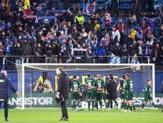 El aficionado que sufrió un infarto del Espanyol evoluciona favorablemente. EFE