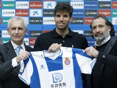 El Benfica ya tendría el 'sí' de Cabrera, pero le falta el visto bueno del Espanyol. EFE