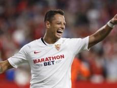 Chicharito, campeón de la Europa League con el Sevilla. EFE