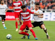 Ferran Torres (R) is close to joining Man City. EFE