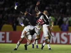 Vasco de Gama acusó de racismo a aficionados de Oriente Petrolero. EFE/Marcelo Sayao