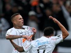 Luan foi alvo de protesto da torcida do Corinthians após a final do Paulistão. EFE/Fernando Bizerra