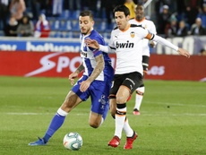 Dani Parejo (R) has been linked with a move to Betis. EFE