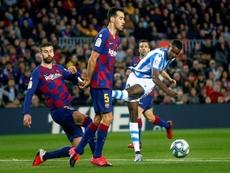 Isak répond aux rumeurs concernant le Barça. EFE